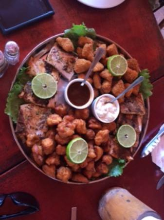 Hotel Coco Palms Bar & Restaurant: Tray of Fish 4 Styles! Outstanding...