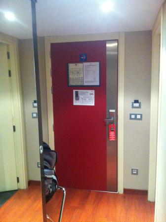Hotel Font d'Argent: Puerta de la habitación