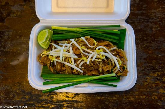 Gap's School of Thai Culinary Art: Chicken pad thai