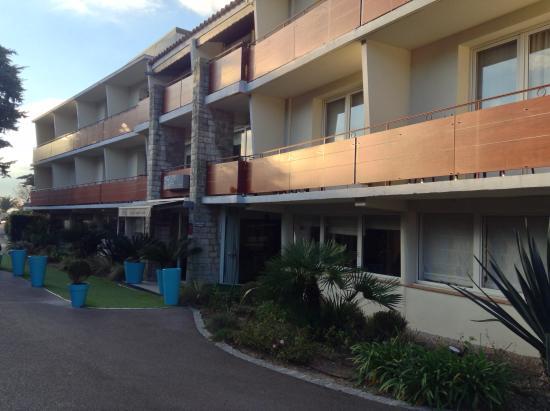 Hotel Plage St Jean : L'entrée de l'hôtel