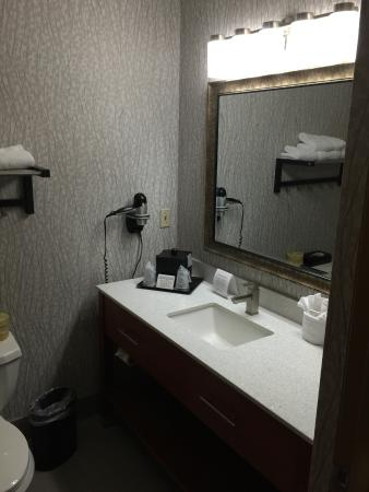 BEST WESTERN Executive Inn: Modern and clean