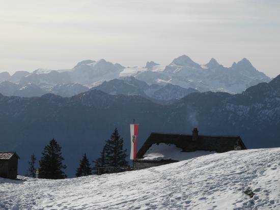 Klettersteig Katrin : Katrin almhütte mit dachstein bild von seilbahn bad ischl