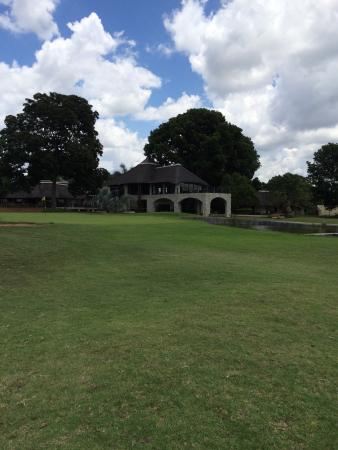 Phalaborwa, South Africa: 18th hole & clubhouse