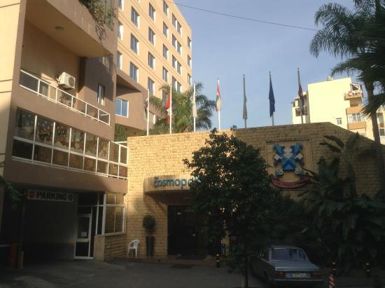 Cosmopolitan Hotel: The entrance