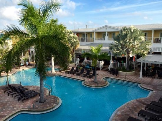 lovely pool courtyard picture of fairfield inn suites. Black Bedroom Furniture Sets. Home Design Ideas