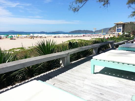 Pousada Dos Gravatas : Deck da Piscina. Praia Geribá.