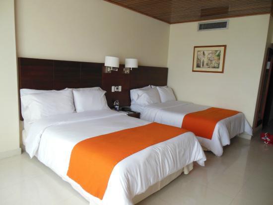 Foto de hotel caribe cartagena camas muy comodas y - Camas muy grandes ...
