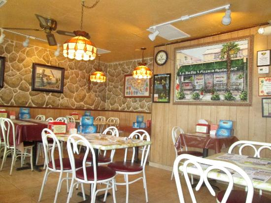 Rocky S Pizzeria And Restaurant Interior Pizza