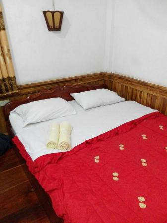 Villa Aphay Guest House: Villa Aphay - double bed