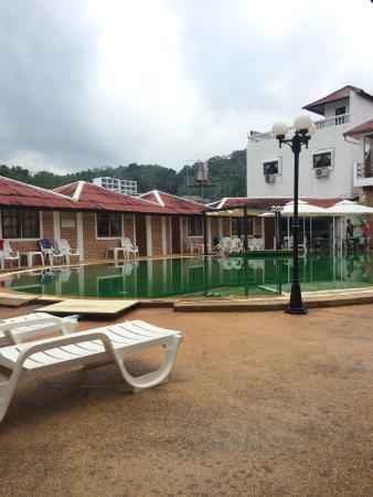 The Kata Resort : the hotel compound