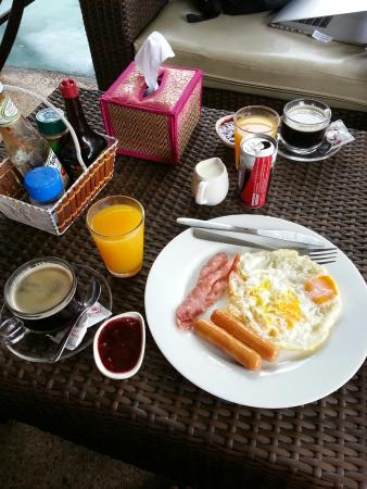Green Canyon Hip & Cheap Resort: Breakfast