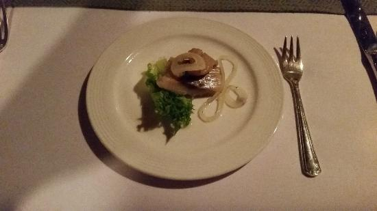 Royal Grill Room & Wine Cellar : The Amuse, a pickled fish+onion combo