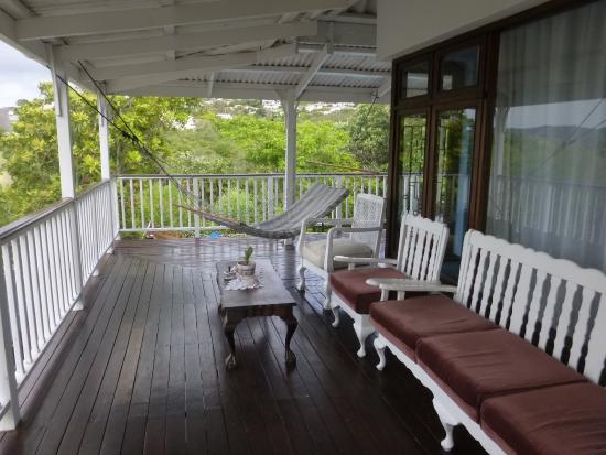 HomeBase Knysna : balcony area