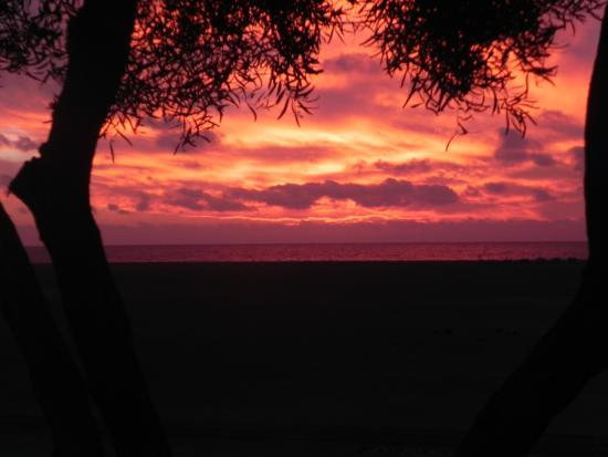 Club del Carmen : Sunrise at Beach opposite hotel