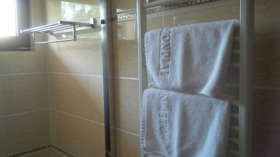 Hotel Mondial - Eforie Nord: Soft towels, I loved it.