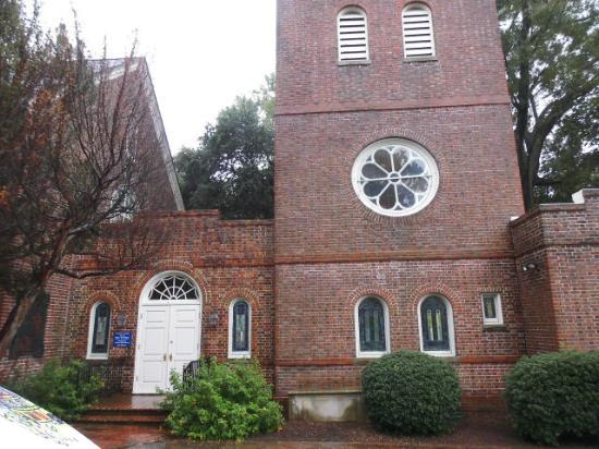 Eingangsbereich zur St. Pauls Kirche in Norfolk