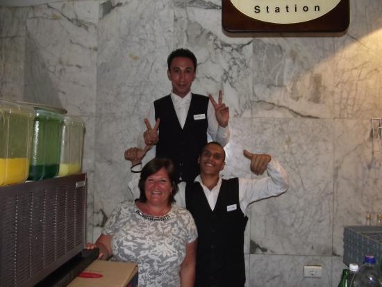 Coral Sea Aqua Club Resort: Best waiters