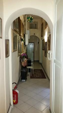 entrance - Foto di Soggiorno Santa Reparata, Firenze - TripAdvisor