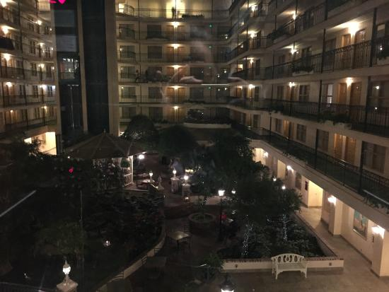 Embassy Suites by Hilton Anaheim North : Dentro do hotel