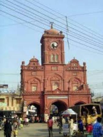 Meerut, อินเดีย: Ghanta ghar