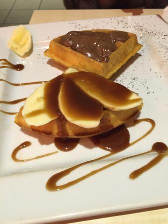 Pure Waffle: Mix 1/2 Nutella & 1/2 banoffee  Yumyyyy