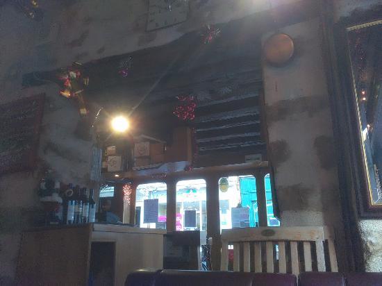 Le Ferrare: L'entrée et le bar