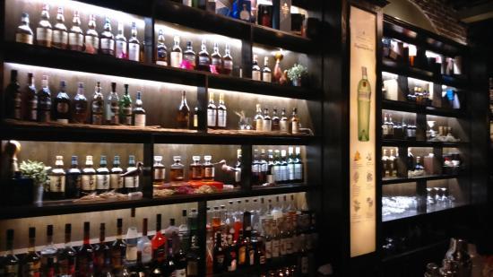 Hola Bar