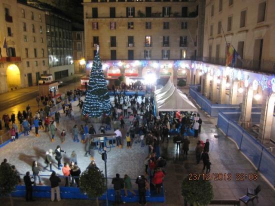 Eurostars Mediterranea Plaza Alicante : Тот же вид вечером