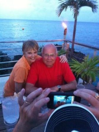Plantana Condominiums: Down the road at the Cracked Conch