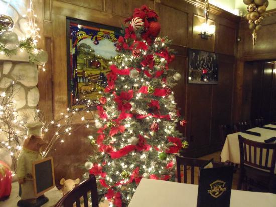 Old Town Beer Hall: Christmas tree in main dining room, Old Town Inn, Germantown, WI