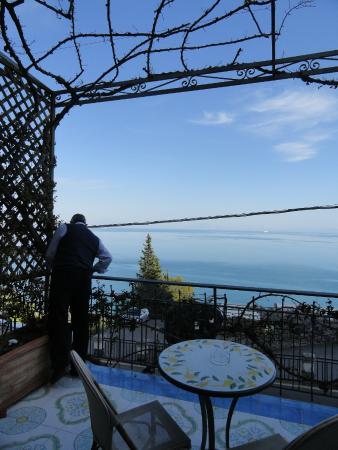 Locanda Costa d'Amalfi: balcón con super vista al mar