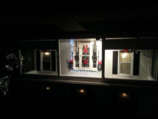 Hockman Manor House B&B: More Christmas Lights tour