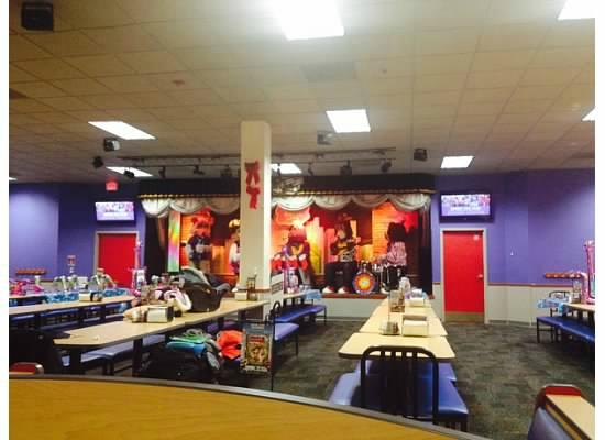 Chuck E. Cheese is an excellent option for entertainment on any random day. There are many locations, with a local Chuck E. Cheese in most areas. Chuck E. Cheese has lots of fun arcade games geared to children. Each arcade only costs one point which makes it very affordable.