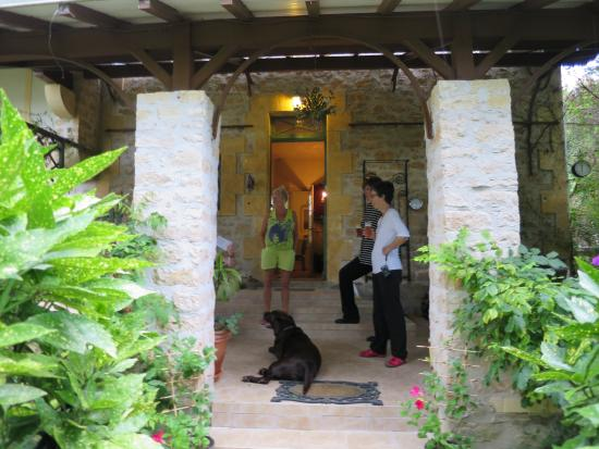 Le Jardin Sarlat: Front Porch of Le Jardin