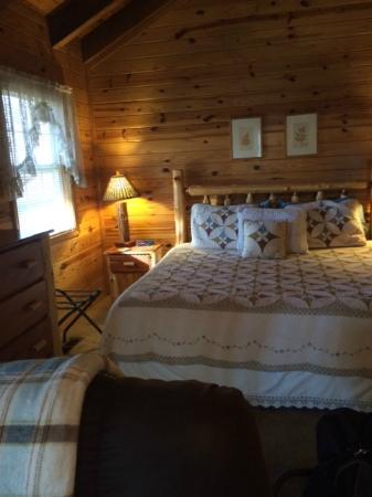 Hogsveil Cottages : Lovely Bed