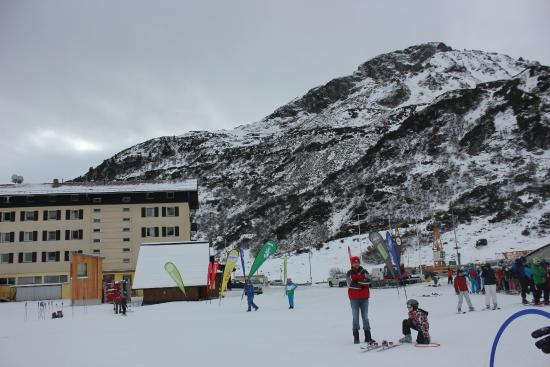 Sporthotel St. Christoph: The hotel from nursery slopes