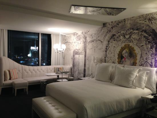 Sls Las Vegas Hotel A Very White Room With Mirror On The Ceiling