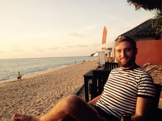 Nik's Garden: Bar at the beach!!