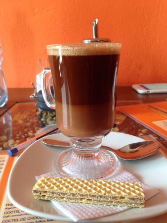 Aromas Caffee: Café mocha. Bueno!
