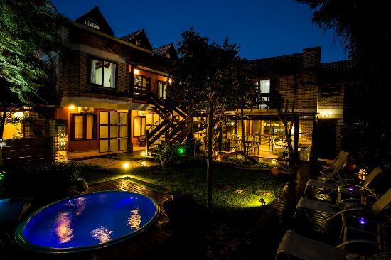 Pousada Jureremirim: The Garden at Night