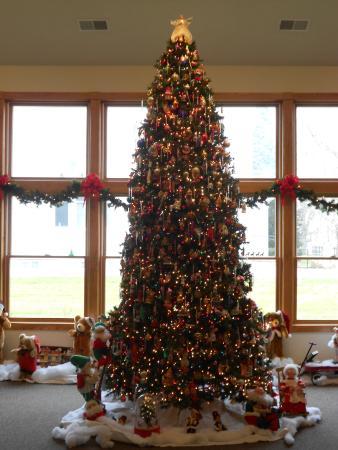 Kalona Historical Village: Christmas tree