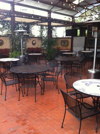 McAdoo's Seafood Company : Outdoor seating