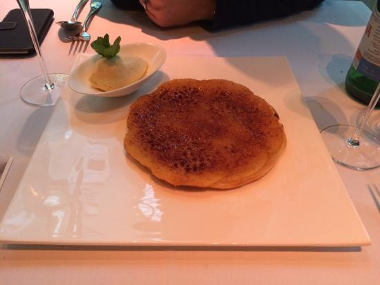 Fabios: The best apple tart, EVER!!!!!!!