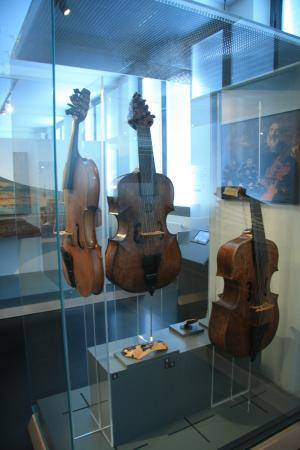 Museum fur Musikinstrumente der Universitat Leipzig: Инструмент в музее