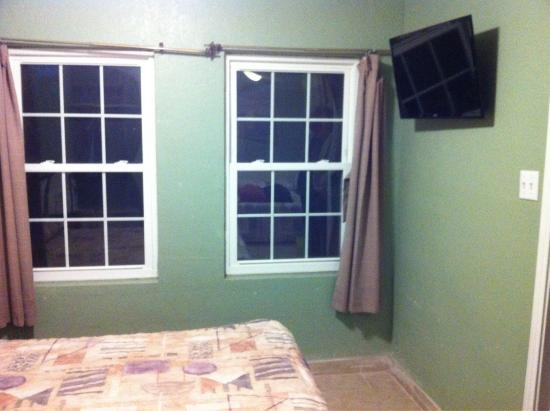 Bayfront Cottages : New flat screen in bedroom and another in kitchen