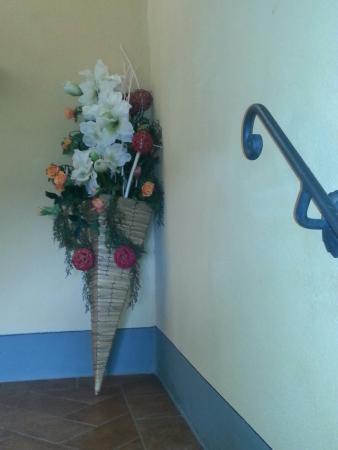 Resort Casale Le Torri: Arredo scale