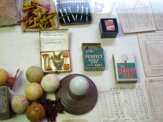 Golf Museum : Various golf artifacts