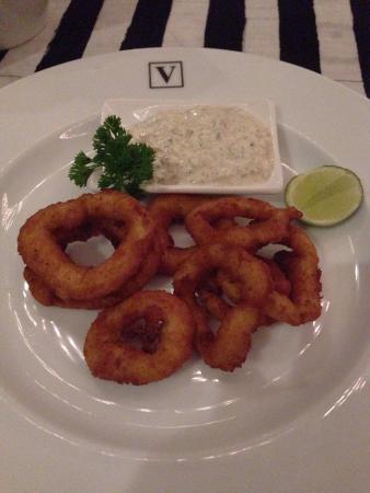 The Villa Cafe: Bread crumb calamari!