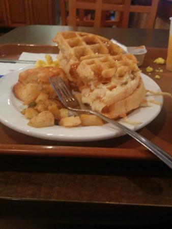 Quality Inn & Suites: Breakfast