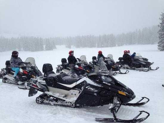 Steamboat Snowmobile Tours: Boxing Day 2014